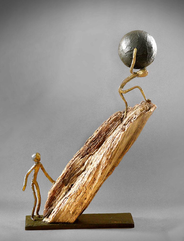 bois flotté, acier, poudre de marbre, patine 53x37x12 cm