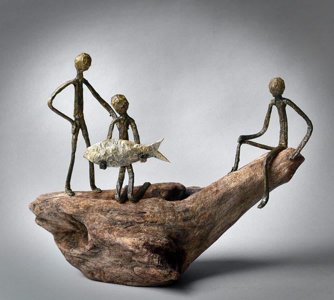Sculpture bois, bois flotté, métal, papier, acrylique et patine (50x23x14 cm)